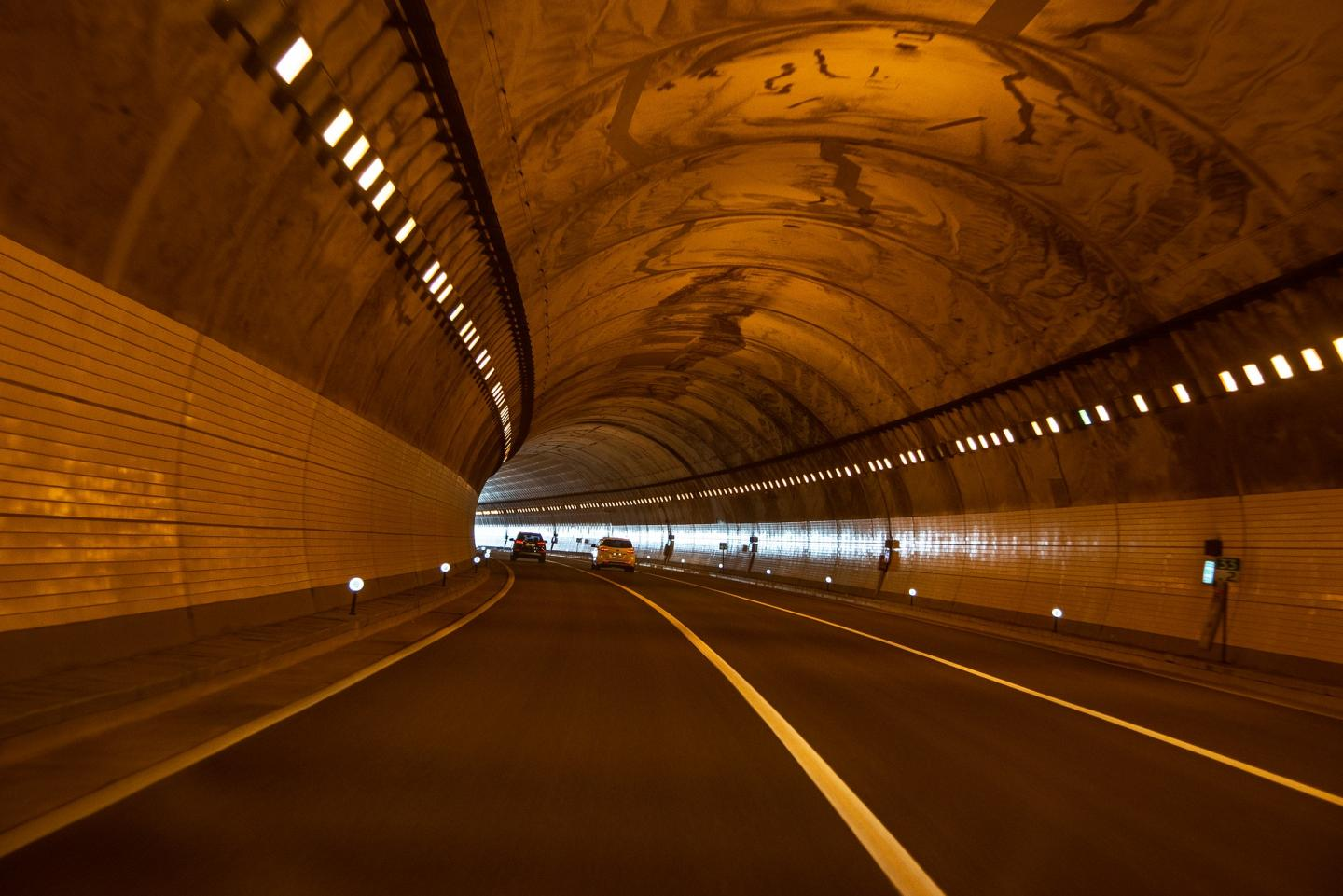 CO2 levels in Tunnels from PHOENIX CONTACT in belgium